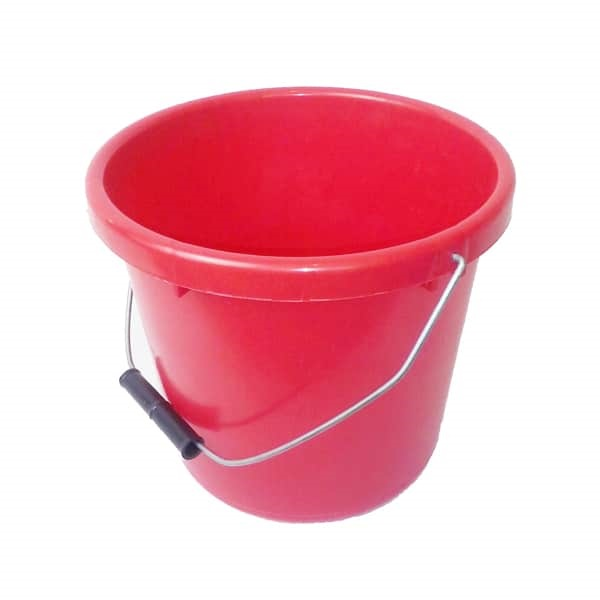 RED PLASTIC BUCKET, 5 LITRE / 1.25 GALLONS